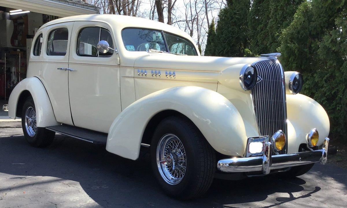 1936 Oldsmobile Touring Sedan