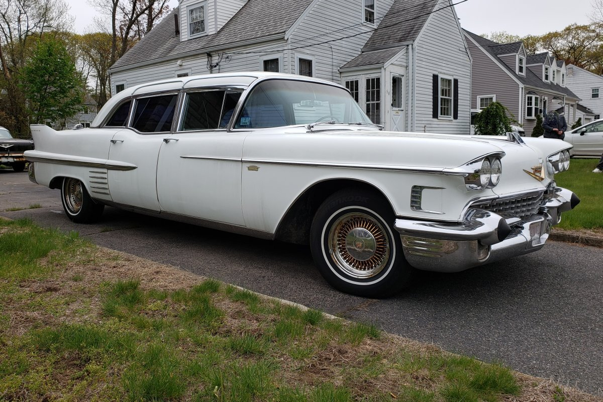1958 Cadillac Fleetwood 75 Limo