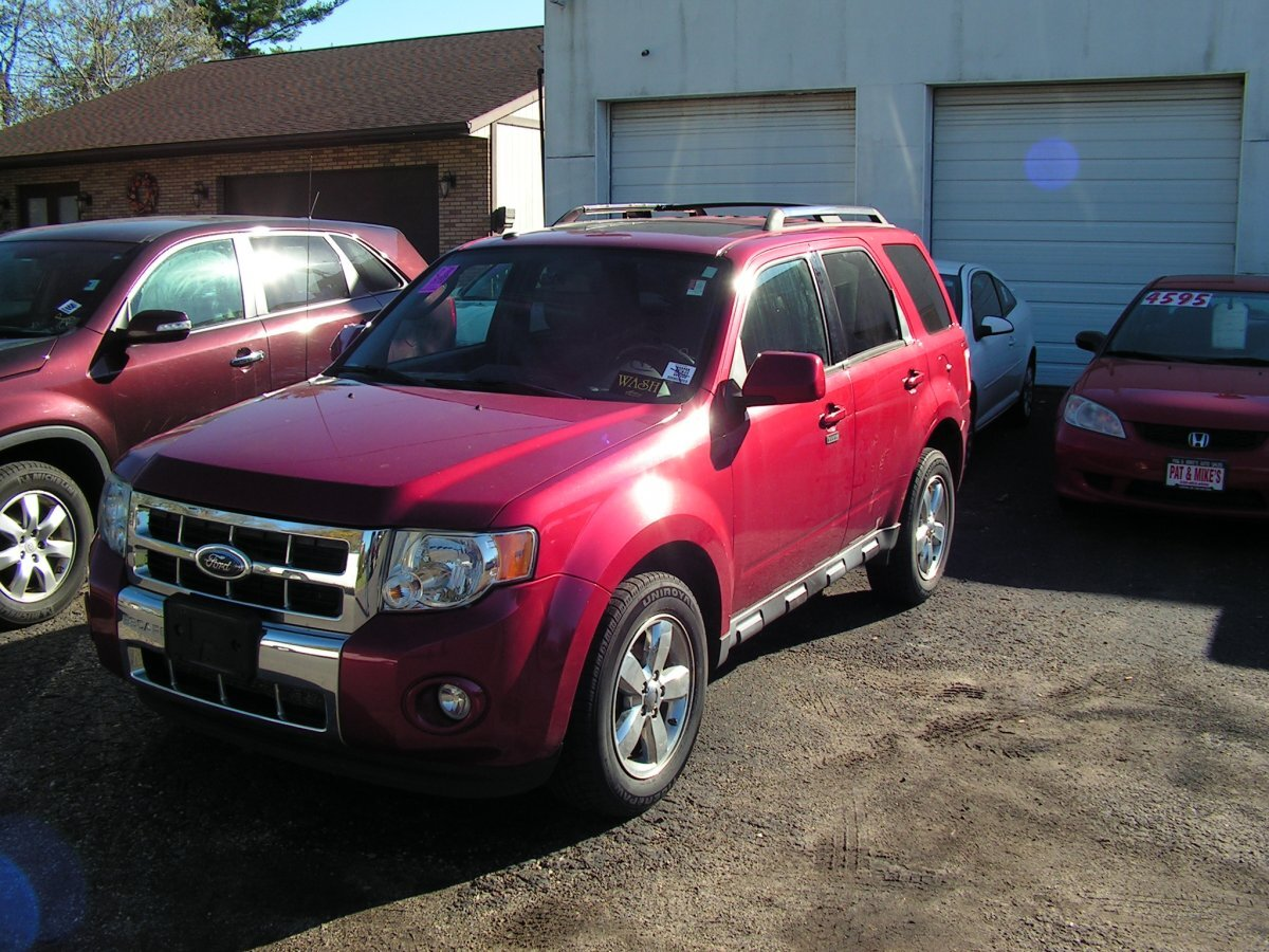2009 FORD ESCAPE LIMITED FWD V6 for sale in Canton, OH