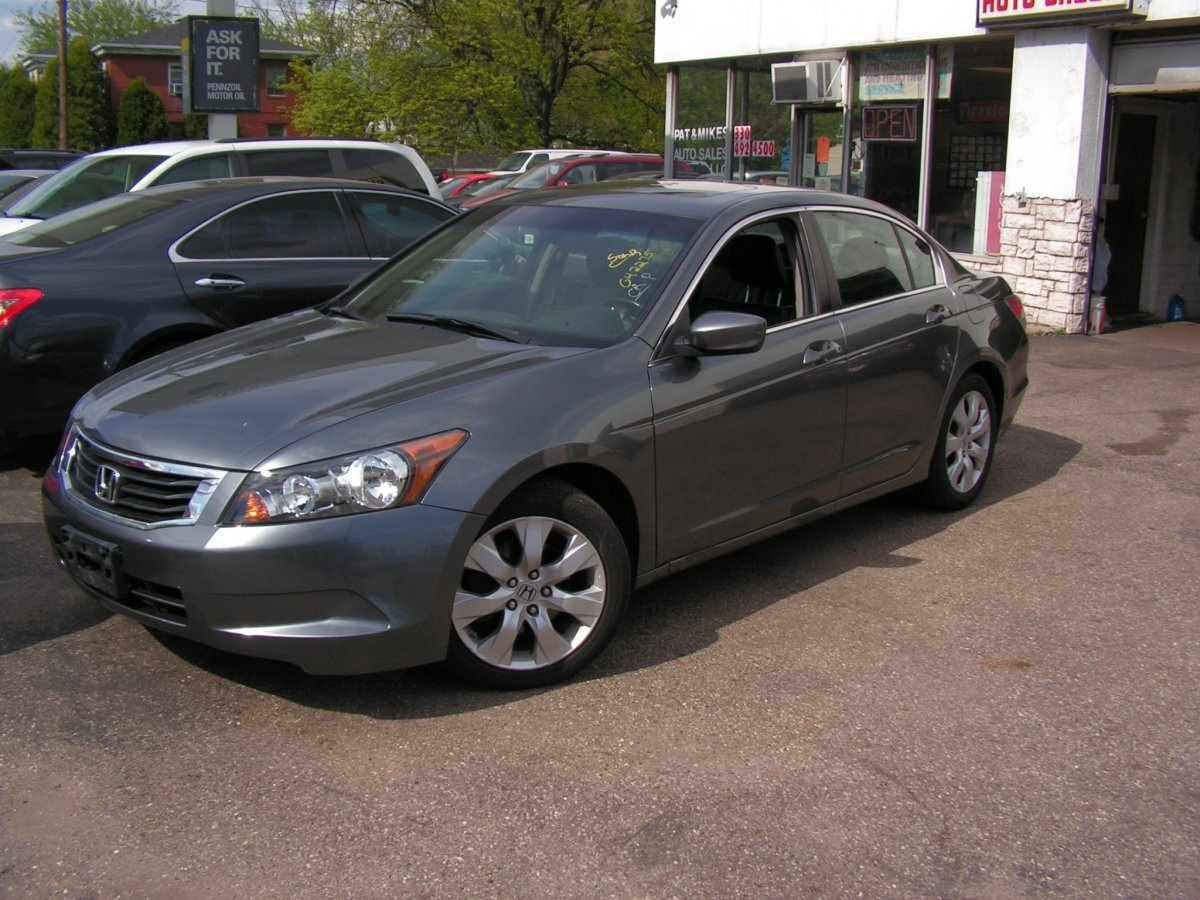 2009 Honda accord 4dr for sale in Canton, OH