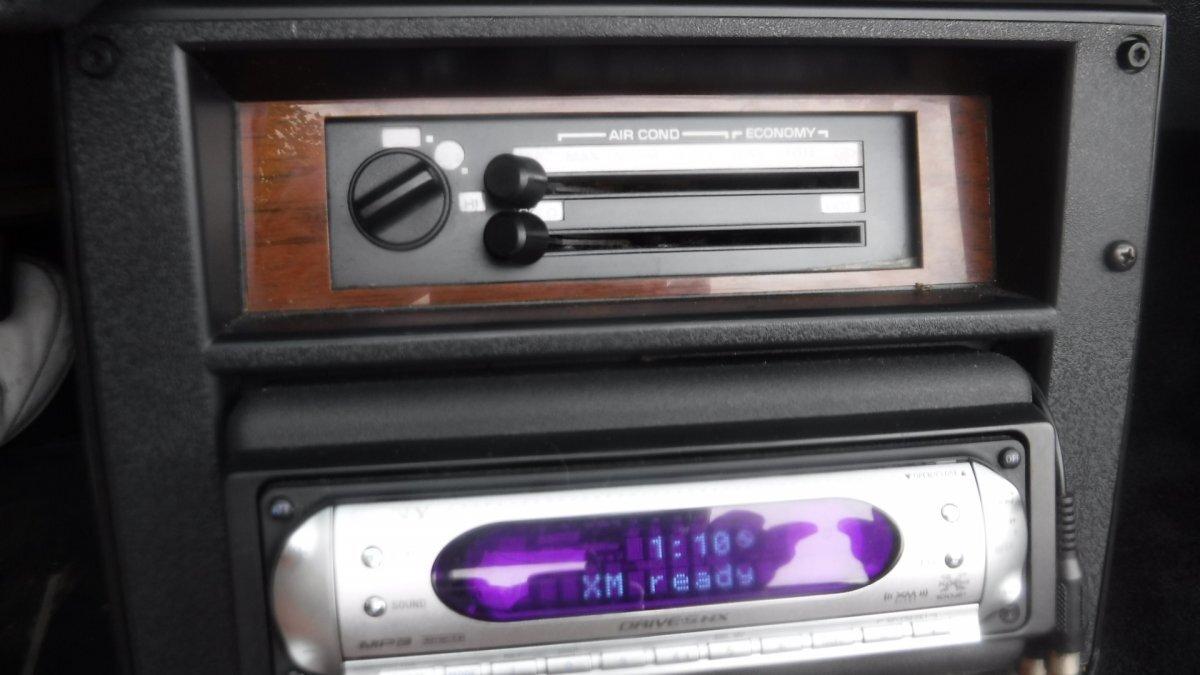1989 CHEVROLET IROC CAMARO CONVERTIBLE IROC - Photo