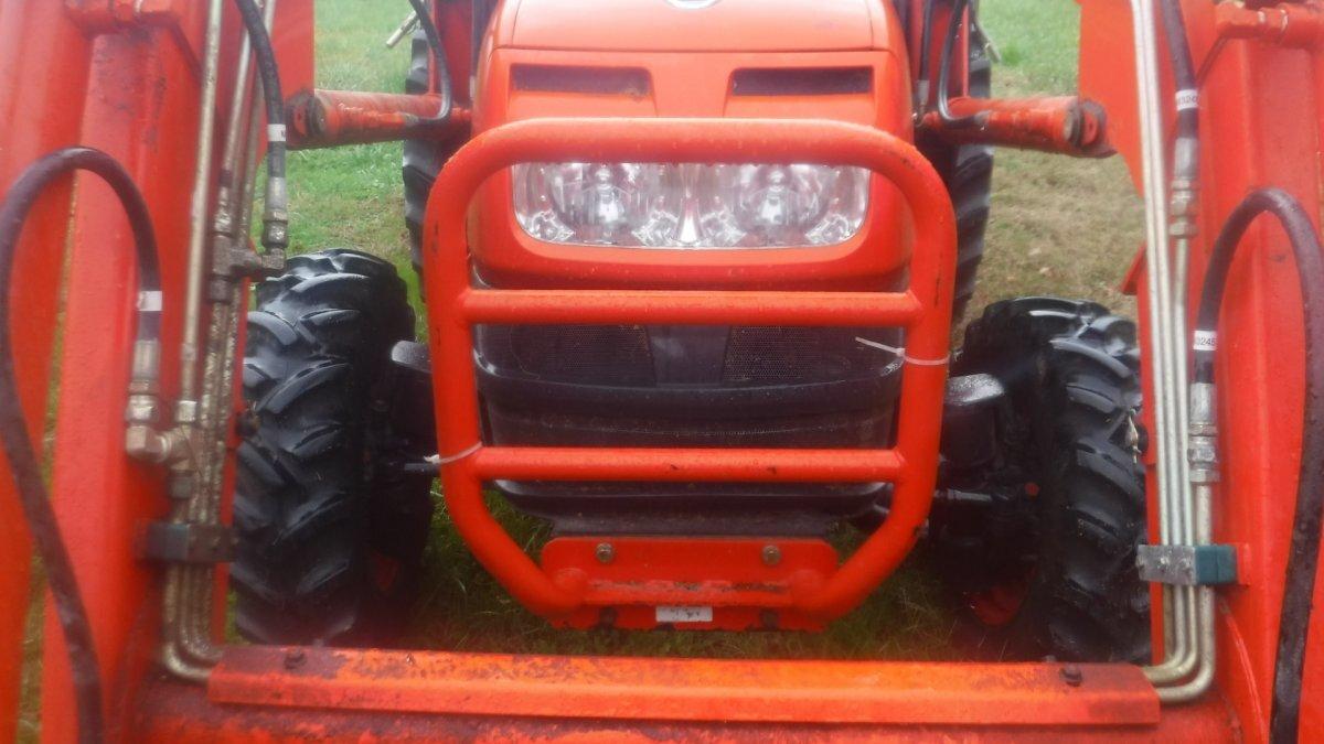 2011 KIOTI DK40 TRACTOR SE HST KL401 LOADER - Photo