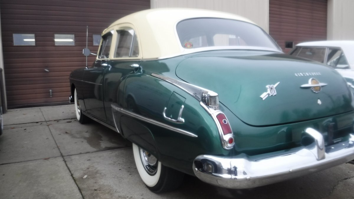 1950 OLDSMOBILE 88 4 DOOR SEDAN DELUXE 303V8, AUTO, NICE OPTIONS - Photo