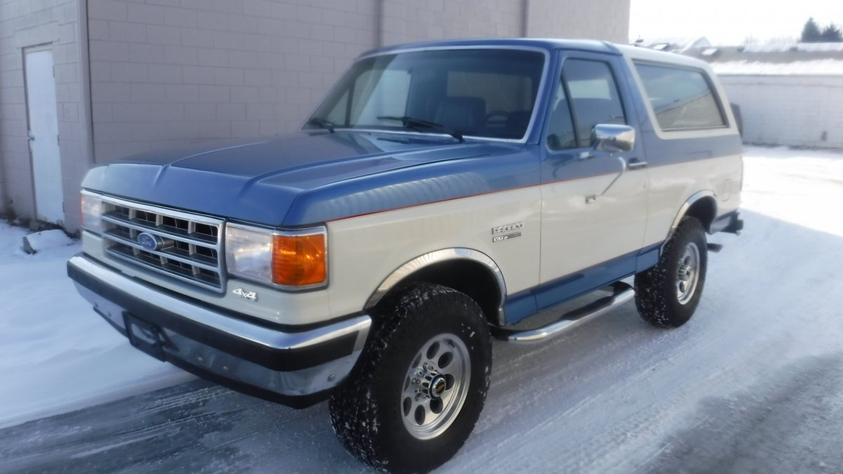 1988 FORD BRONCO 4X4 XLT XLT FOUR WHEEL DRIVE in Milford, OH