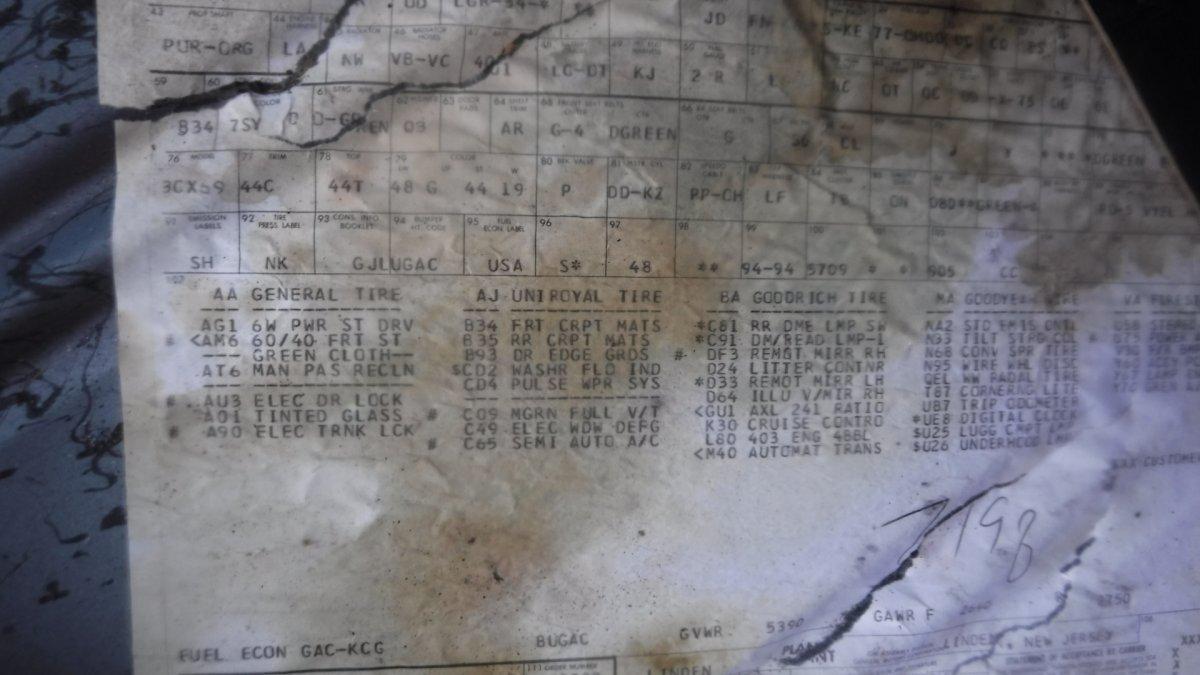 1977 OLDSMOBILE NINTY EIGHT COUPE LUXURY COUPE 350 ROCKET - Photo