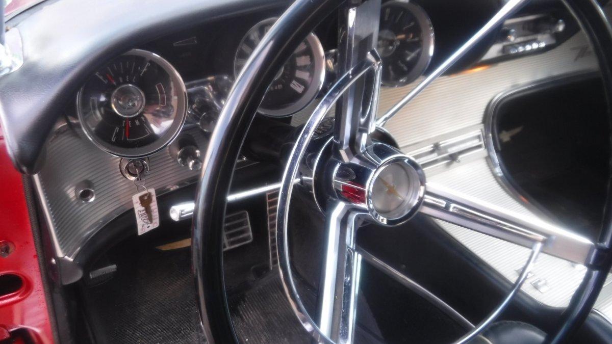 1963 FORD THUNDERBIRD CONVERTIBLE RETRACTABLE CONVERTIBLE 390, AUTO - Photo