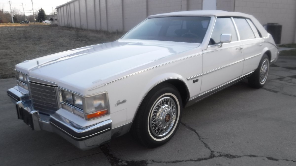 1985 CADILLAC SEVILLE ROADSTER LEATHER INTERIOR in Milford, OH