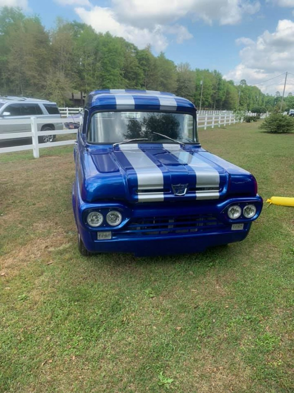 1960 FORD F-100 PANEL DELIVERY WAGON CUSTOM V8, AUTO, AC - Photo