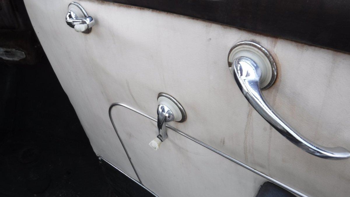 1948 CHEVROLET FLEETMASTER 2 DOOR SEDAN 6 CYL, SPLIT MANIFOLD, 3 SPEED - Photo