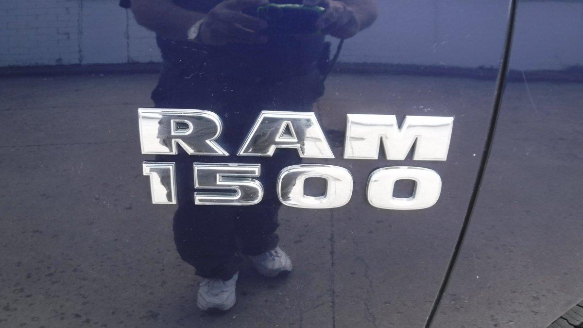 2014 RAM SLT CREW CAB 4X4 SLT 4X4 SHORT BED - Photo