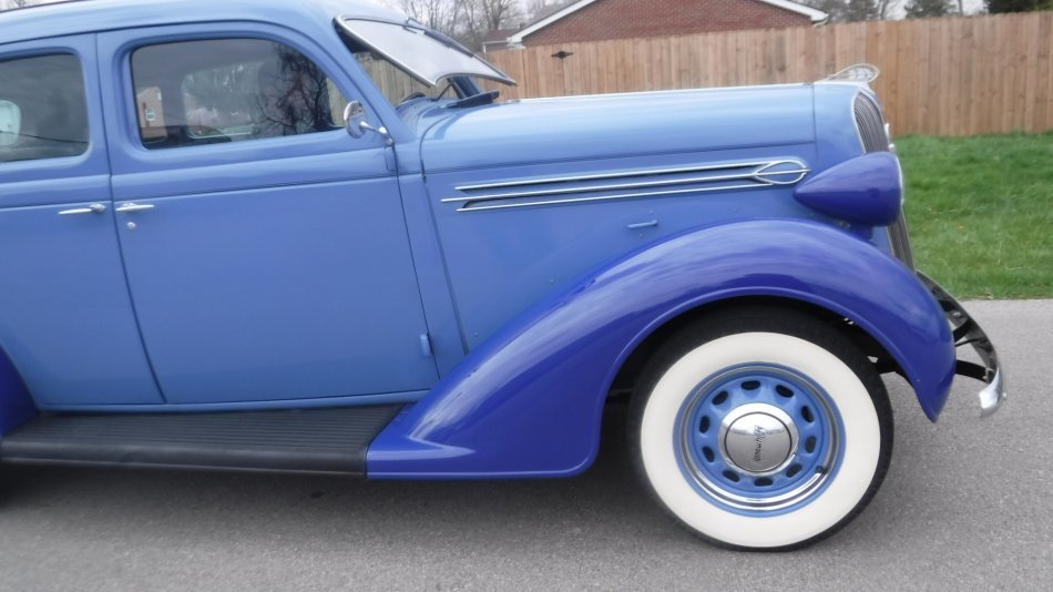 1936 PLYMOUTH P2 DELUXE DELUXE 4 DOOR SEDAN - Photo