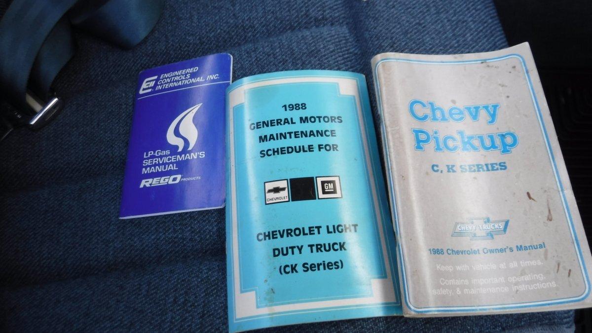 1988 CHEVROLET SILVERADO 4X4 LONG BOX PICK UP 5.0 V8, 4X4 LONG BOX - Photo