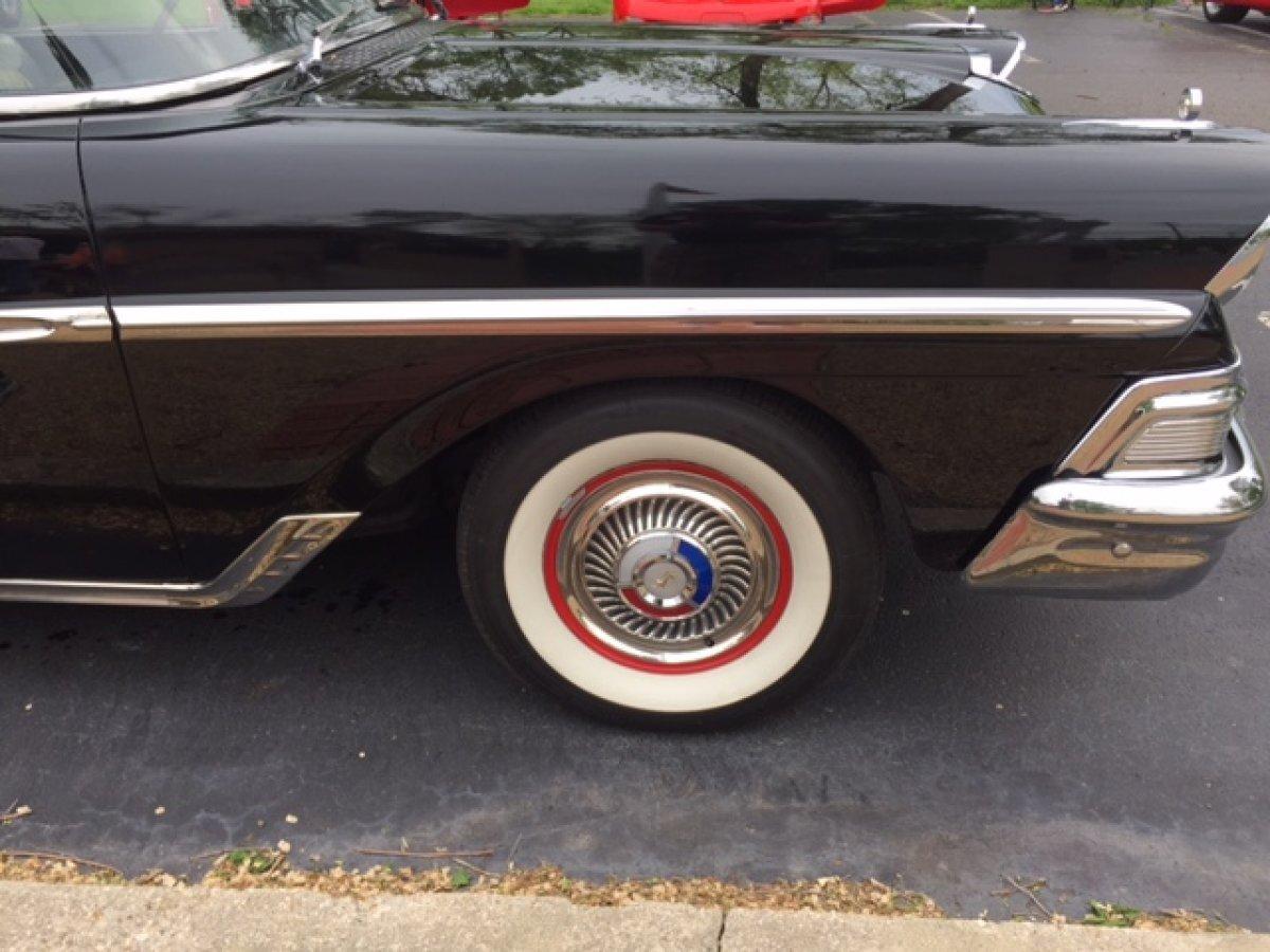 1958 FORD FAIRLANE 500 2 DOOR SEDAN INTERCEPTOR V8 - Photo