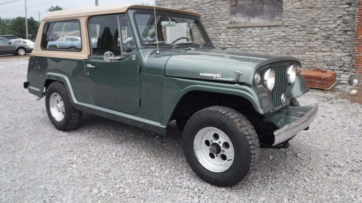 1969 JEEP COMMANDO JEEPSTER V6 AUTO 4X4 in Milford, OH