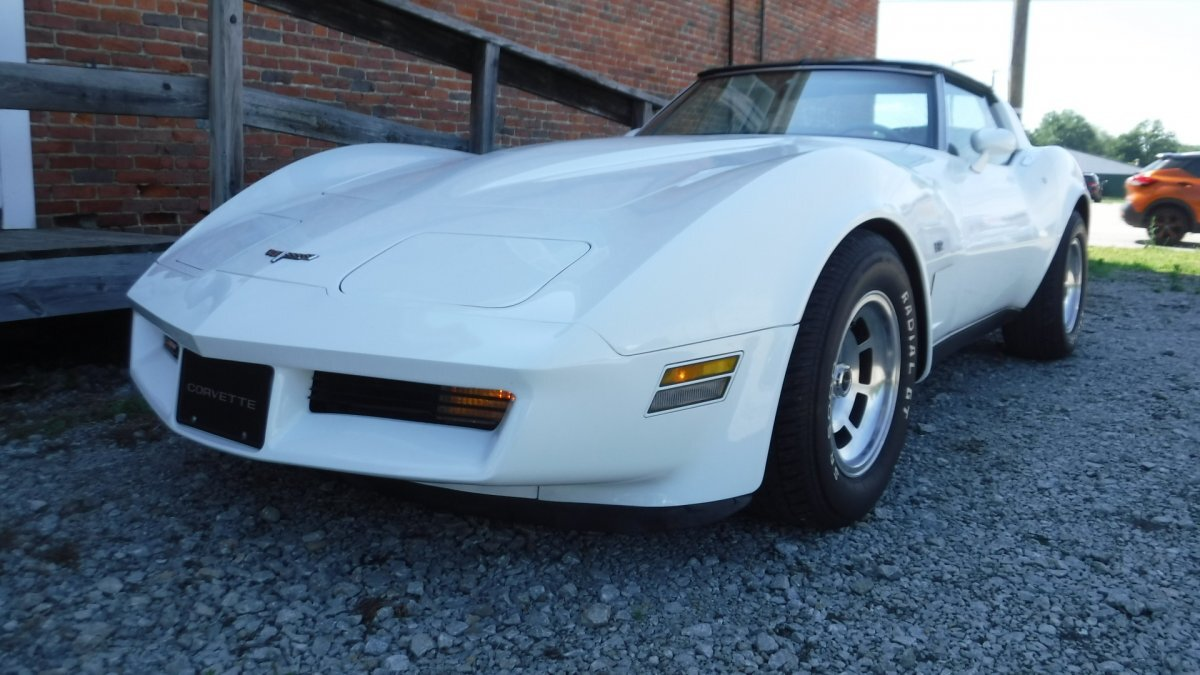 1980 CHEVROLET CORVETTE L-82 LEATHER L-82 in Milford, OH
