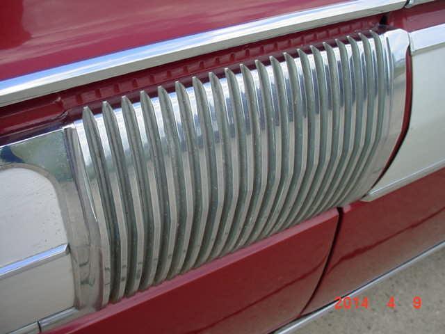 1962 OLDSMOBILE STARFIRE COUPE BUCKET SEATS - Photo