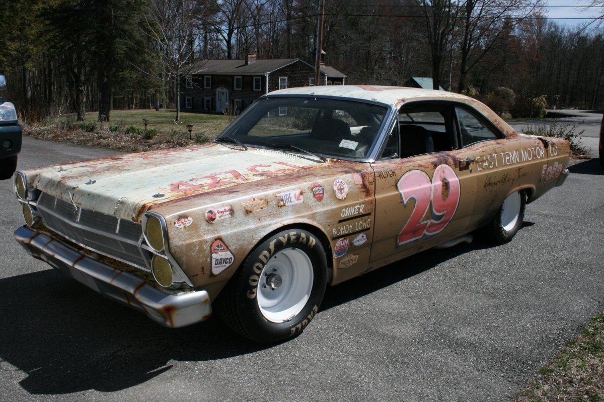 1967 FORD FAIRLANE NASCAR REPLICA - Photo