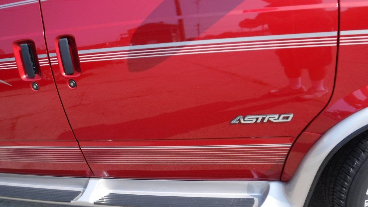 2000 CHEVROLET ASTRO VAN BY REGENCY REGENCY - Photo