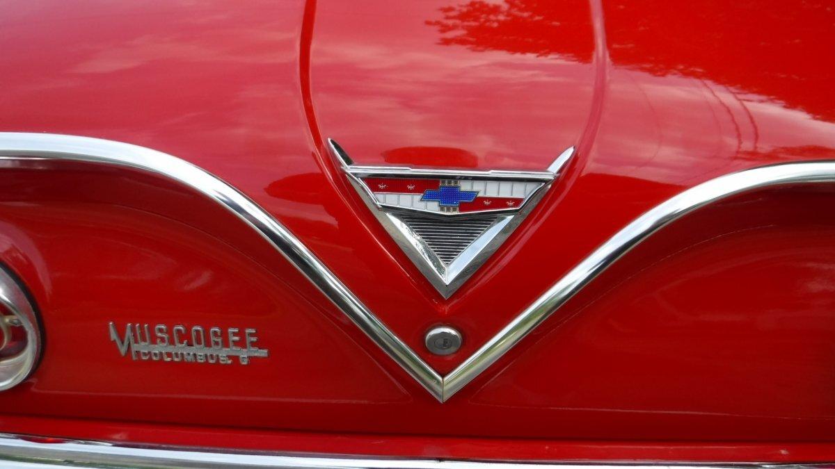1961 CHEVROLET IMPALA SPORT COUPE BUBBLETOP COUPE V8, AUTO - Photo