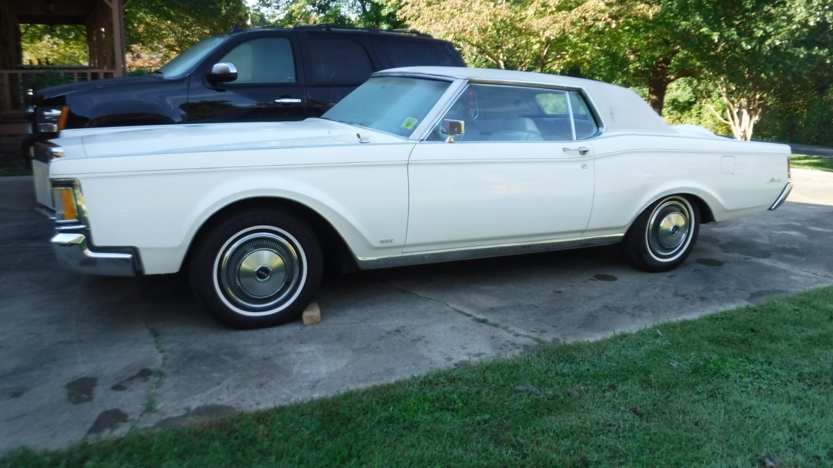1970 LINCOLN CONTINENTIAL MARK III TRIPLE WHITE LEATHER in Milford, OH