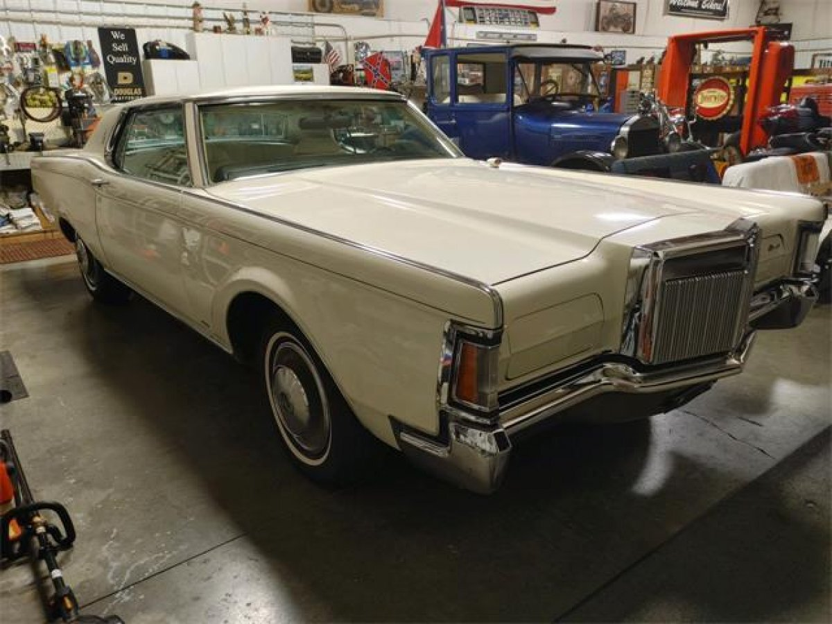 1970 LINCOLN CONTINENTIAL MARK III TRIPLE WHITE LEATHER - Photo