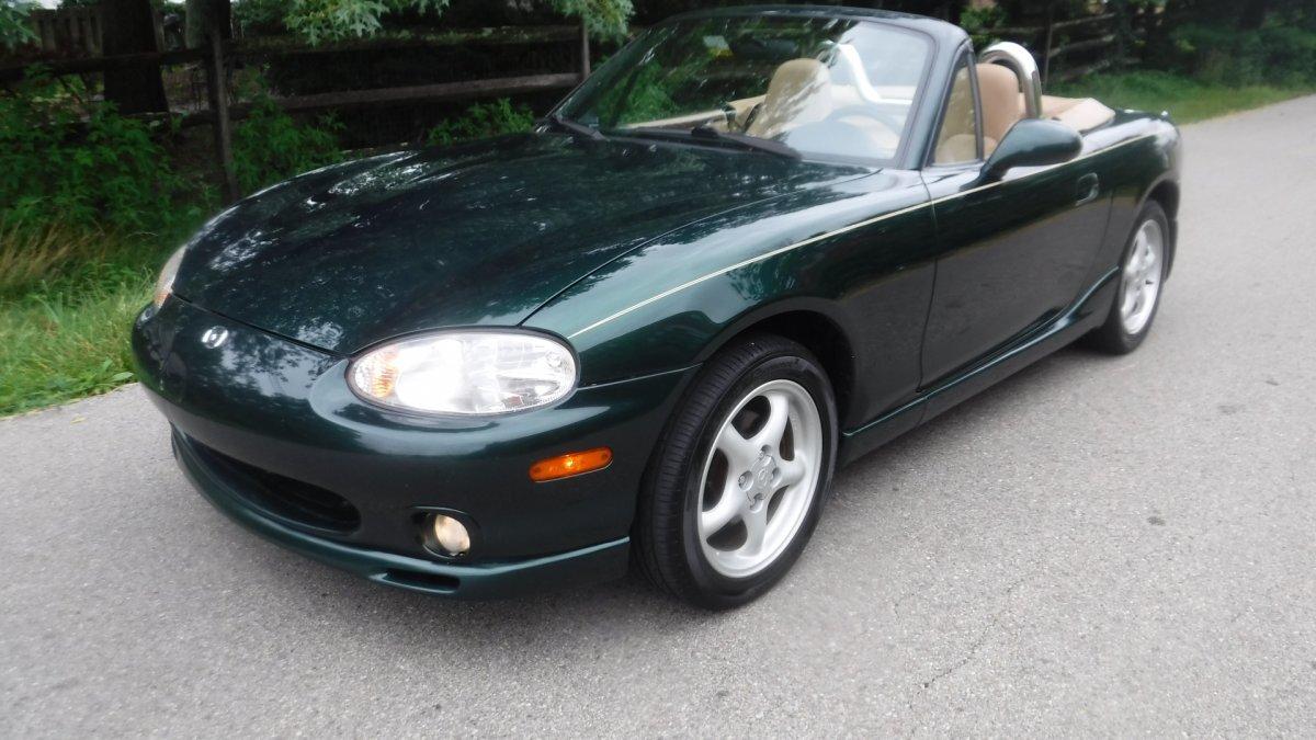 2000 Mazda MIATA MX5 5 SPEED ROADSTER in Milford, OH