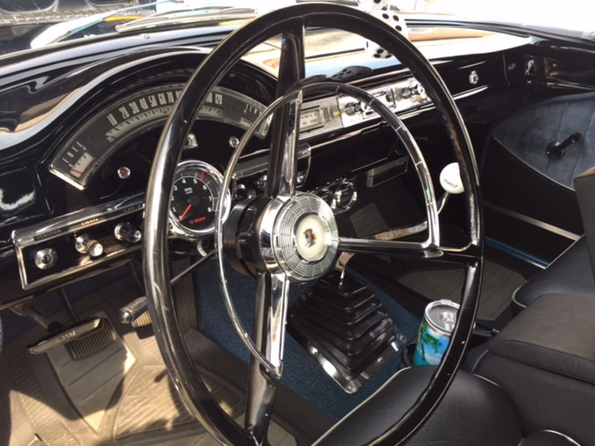 1957 FORD FAIRLANE TUDOR 4 SPEED TWO TONE PAINT 292 4 SPEED - Photo