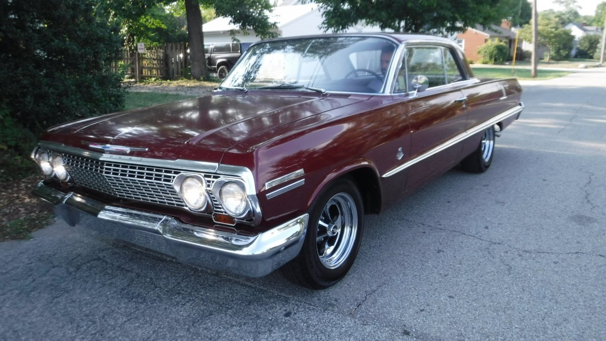1963 CHEVROLET IMPALA SUPER SPORT 409- FOUR SPEED COUPE in Milford, OH