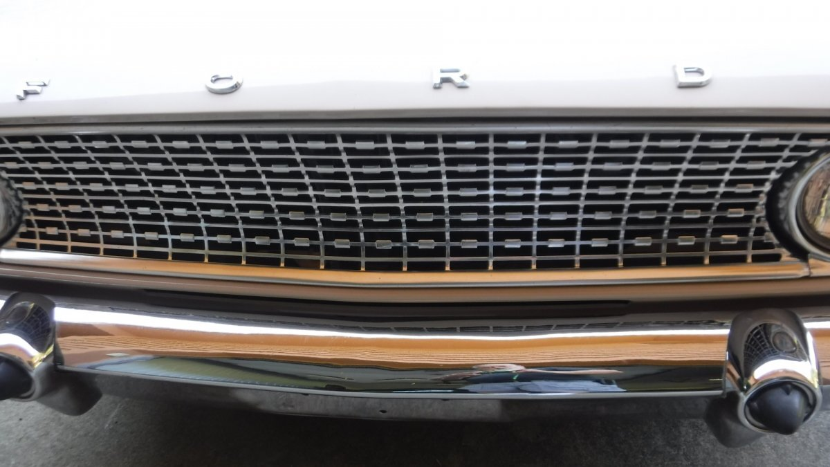 1963 FORD FAIRLANE COUNTRY SQUIRE STATION WAGON V8, MANUAL TRANS - Photo