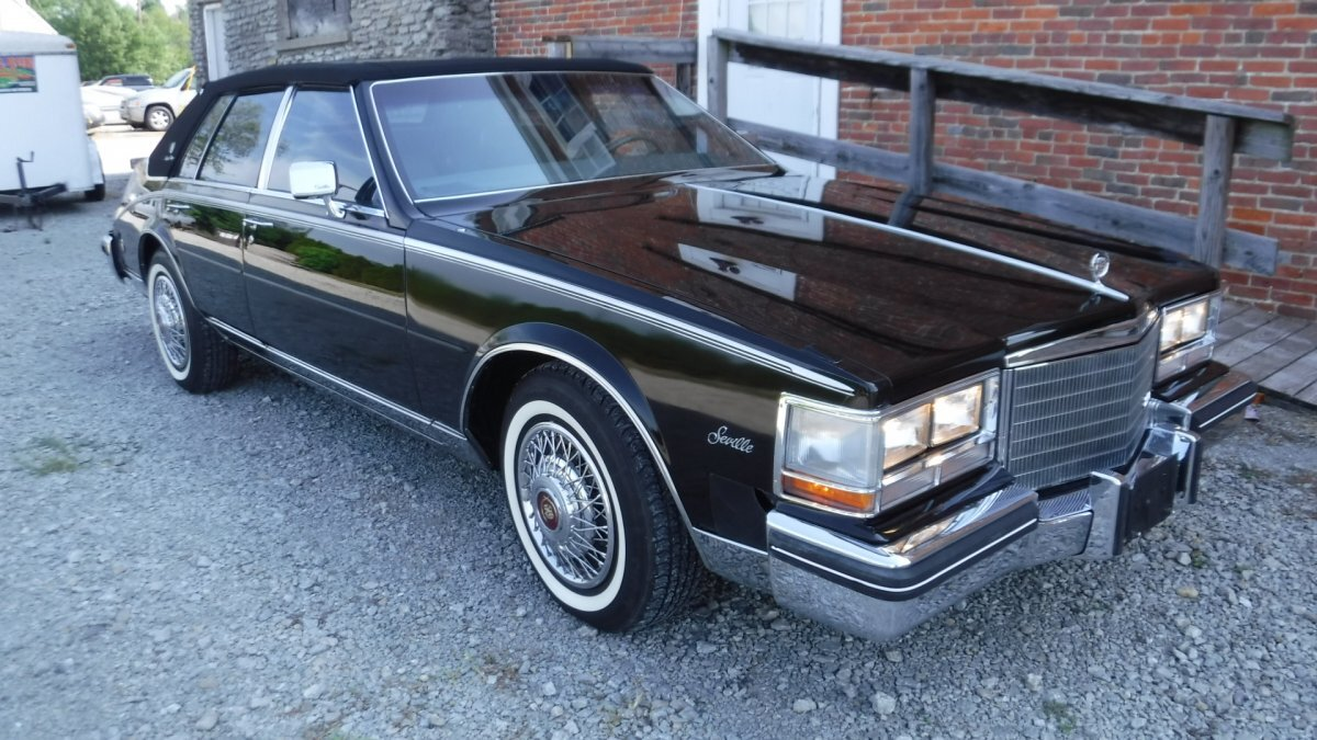 1985 CADILLAC SEVILLE LEATHER INTERIOR MOON ROOF in Milford, OH