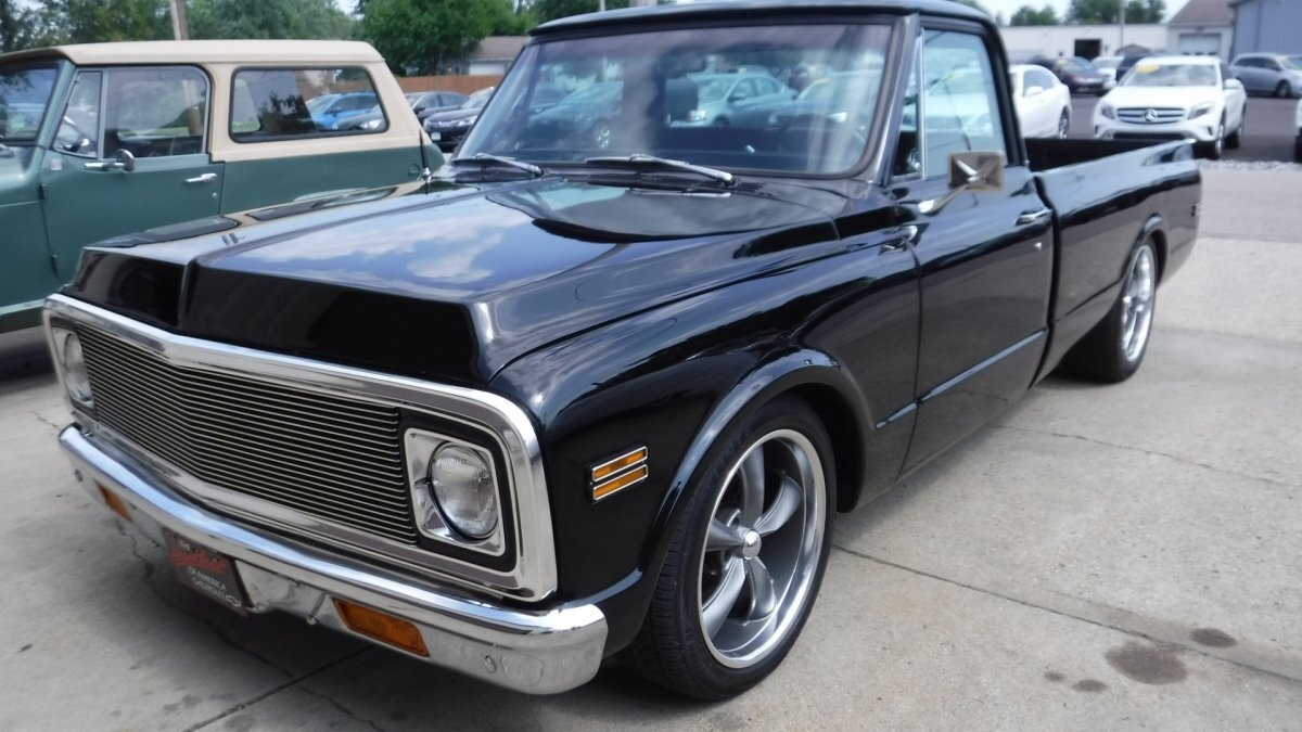 1971 CHEVROLET C-10 LS POWER AUTO, AC, RESTORED in Milford, OH