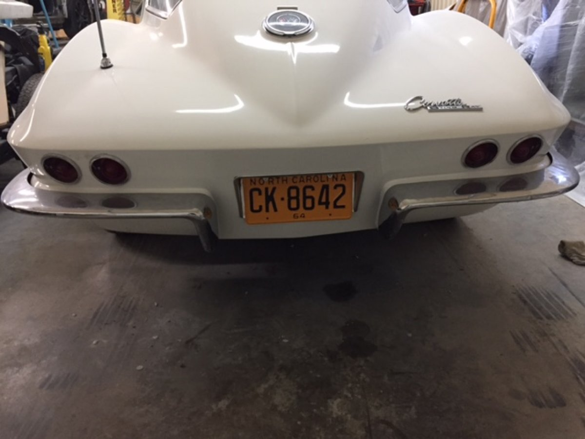 1964 CHEVROLET CORVETTE COUPE 327-300 4 SPEED - Photo