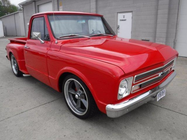1967 CHEVROLET C-10 STEP SIDE SHORT BOX RESTO MOD in Milford, OH