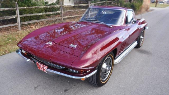 1966 CHEVROLET CORVETTE COUPE, 4 SPEED, SIDE PIPE, KNOCK OFFS. in Milford, OH
