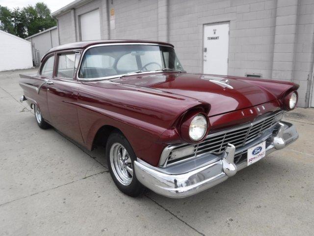 1957 FORD CUSTOM 300 SHORT DECK in Milford, OH