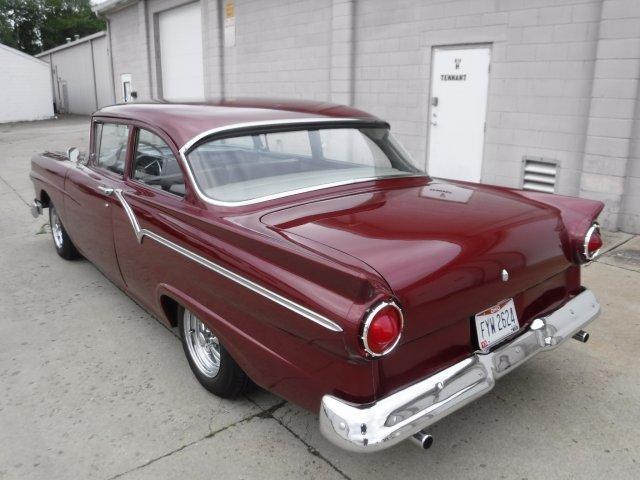 1957 FORD CUSTOM 300 SHORT DECK - Photo