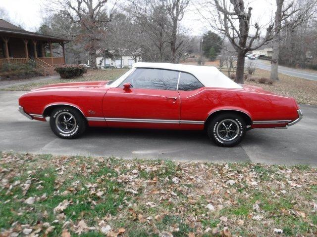 1971 OLDSMOBILE CUTLASS CONVERTIBLE in Milford, OH