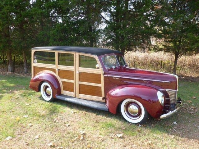 1940 FORD DELUXE WOODY WAGON LEATHER, OHC V8, AUTO, AC - Photo