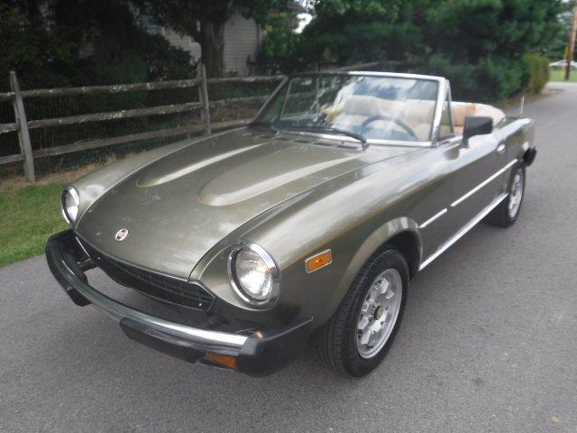 1982 FIAT SPIDER CONVERTIBLE 2000 INJECTED in Milford, OH