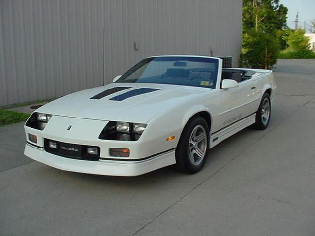 1989 CHEVROLET IROC CAMARO CONVERTIBLE IROC CONVERTIBLE 1 OF 3900 BUILT in Milford, OH