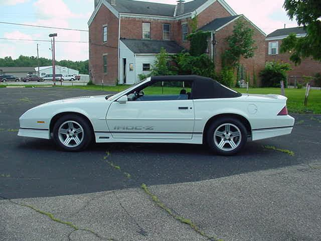 1989 CHEVROLET IROC CAMARO CONVERTIBLE IROC CONVERTIBLE 1 OF 3900 BUILT - Photo