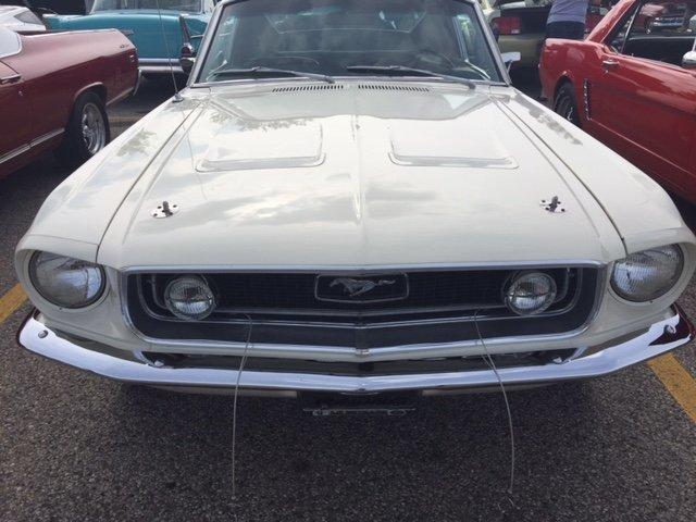 1968 FORD MUSTANG FASTBACK 302-4 {J } CODE - Photo