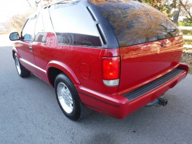1995 GMC JIMMY 2 DOOR LT1 TWO WHEEL DRIVE - Photo