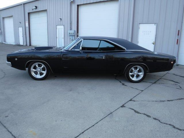 1968 DODGE CHARGER RT BUCKET SEAT, TRIPLE BLACK in Milford, OH