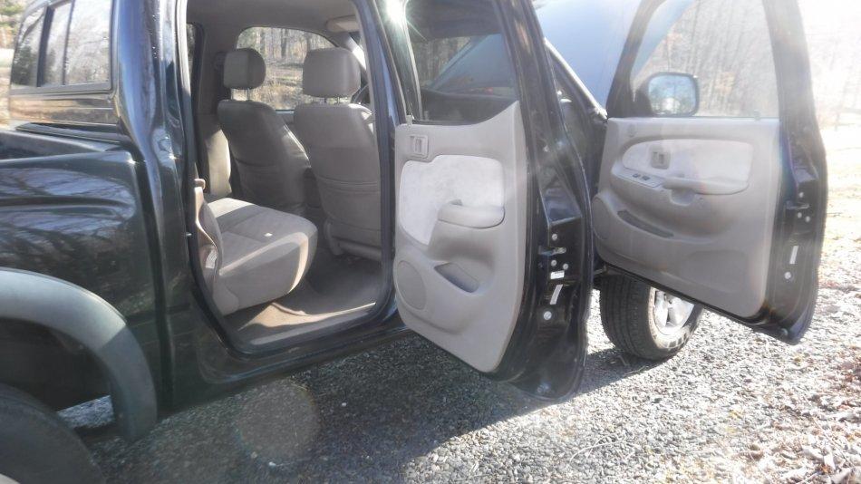 2001 TOYOTA TACOMA SR5 CREW CAB 4X4 V6 TRD, OFF ROAD, 4 DOOR - Photo