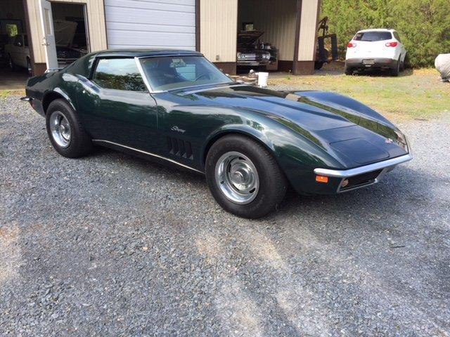 1969 CHEVROLET CORVETTE COUPE 4 SPEED 350-350HP, 4 SPEED, T-TOPS, AC - Photo