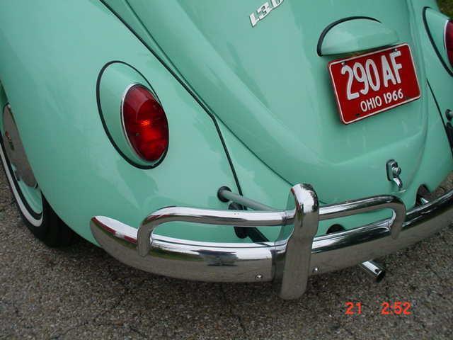 1966 VOLKSWAGEN BEETLE 1300 SUN ROOF SLIDING ROOF 1300 BAHAMA BLUE - Photo