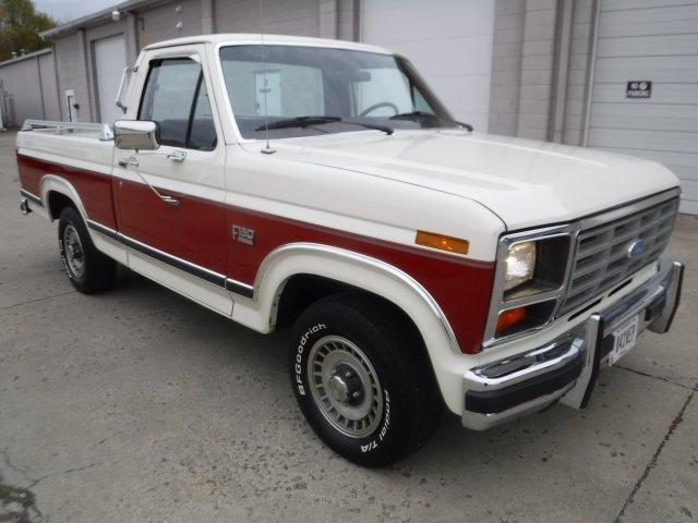 1986 FORD F-150 XLT SHORT BOX LARIAT in Milford, OH