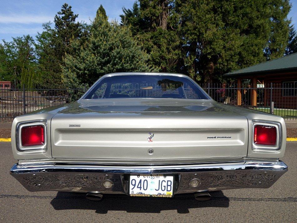 1969 PLYMOUTH 426 HEMI ROAD RUNNER - Photo