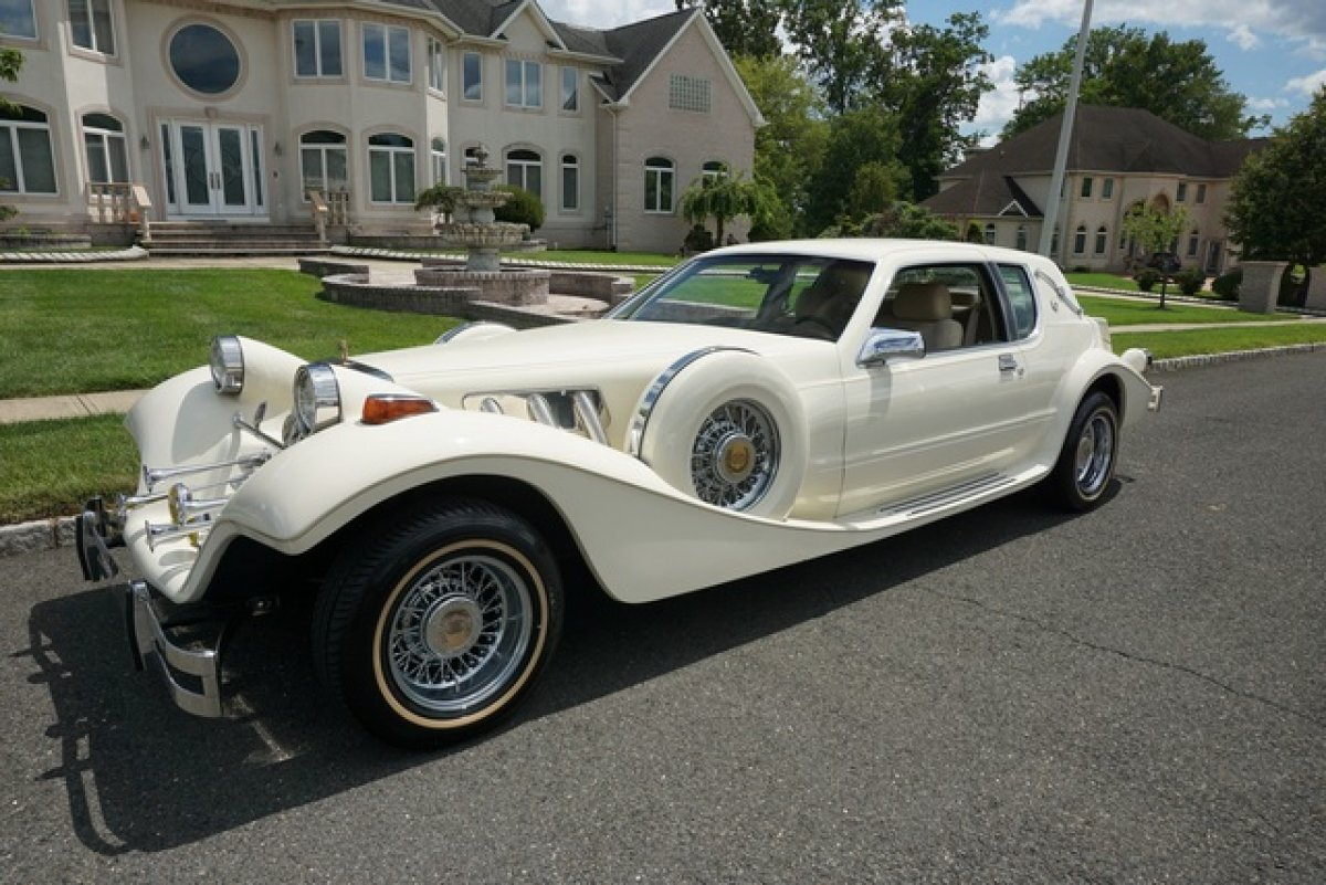 1986 TIFFANY COUPE DE ELEGANCE FUEL INJECTED 5.0 ENGINE ALL  PO OPTIONS 6 WIRE WHEELS NEW TIRES FACTORY BUILT